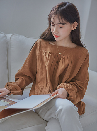 [무료배송] Square neck point blouse-모스빈
