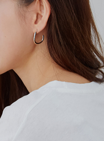 Half circle earrings-모스빈