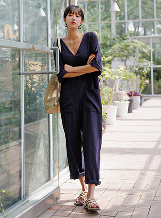 [무료배송]Big pocket button jumpsuit-모스빈